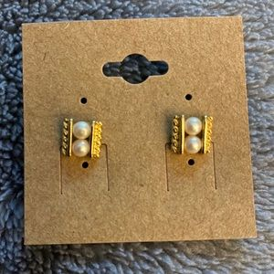 Vintage gold and faux pearl earrings